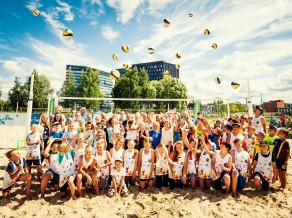 """Vasarā """"O-Sands"""" aizvadīti 90 skolēnu bezmaksas volejbola treniņi"""