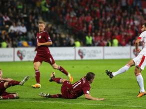 Aiz Honkongas, bet priekšā Taiti: Latvija FIFA rangā noslīd līdz 148. vietai
