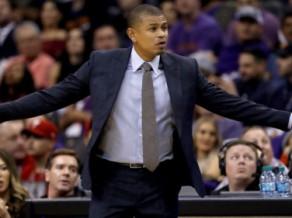 """NBA pirmais atlaistais treneris: pēc drausmīgā sākuma """"Suns"""" atbrīvo Vatsonu"""