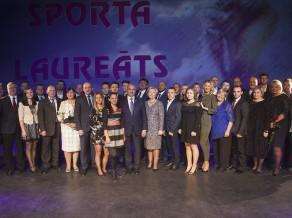 Velosportiste Buldinska un basketbolists Krūmiņš saņem Jelgavas gada balvas