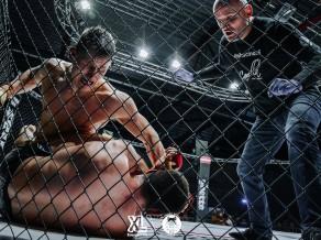 MMA cīkstonis Homjakovs turpina cīnīties bez zaudējumiem