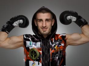 """Cīņu šovā """"Ringa Kareivji"""" savu septīto profesionālā boksa cīņu aizvadīs Artjoms Ramlavs"""