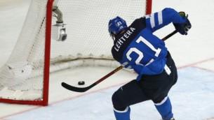 Video: Latvijas uzvarētā Somija apspēlē čehus un iekļūst finālā