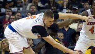 """Video: Porziņģis sāk ar 16+7 pret """"Cavaliers"""""""
