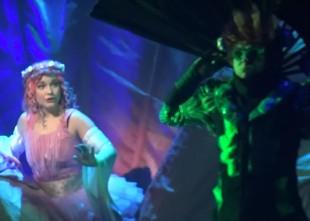 """Video: Rīgas Krievu teātrī iestudēta muzikāla izrāde """"Īkstīte"""""""