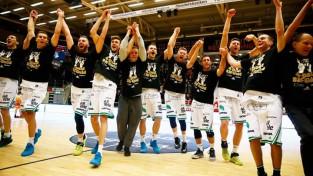 """Dāvis Lejasmeiers un """"Kings"""" triumfē Zviedrijas čempionātā"""