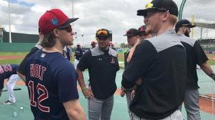 MLB sezonas ievadā profesionāļi pieveic studentus