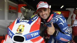 """Bijušais """"MotoGP"""" braucējs nozagta motocikla dēļ nevar startēt sacīkstēs"""