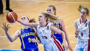 Krūmiņa un Jasa notur komandu spēlē, Latvija galotnē zaudē Beļģijai