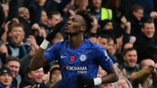 """Eibrahams ar 10. vārtiem nokārto """"Chelsea"""" sesto uzvaru Premjerlīgā pēc kārtas"""