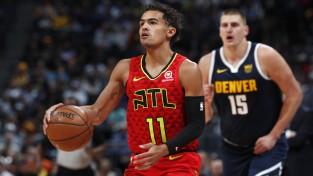 """Jangs ar 42+11 dominē Denverā, """"Knicks"""" spēlētāji krīzē aizstāv galveno treneri"""