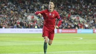 """Ronaldu un Keinam """"hat-trick"""", Portugāle un Anglija kopā gūst 13 vārtus, Moldova iesit Parīzē"""