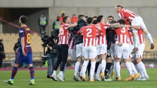 """Bilbao """"Athletic"""" iegūst Spānijas Superkausu, Mesi neiztur nervi"""