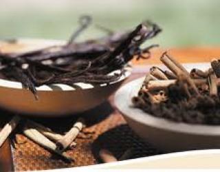 Kanēļa cukurs un Vaniļas cukurs: divi aromātiski, dabiski produkti ar noturīgu kvalitāti