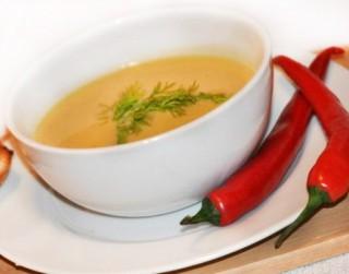 Čilīgā ķirbju un kartupeļu krēmzupa
