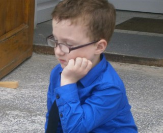 Palīdzēsim atvieglot mazajam Tomasam ciešanas