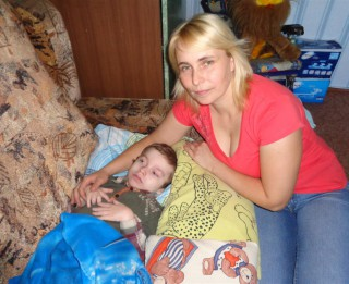 Septiņgadīgajam Ervīnam ir iedzimta CNS pataloģija. Palīdzēsim zēnam!