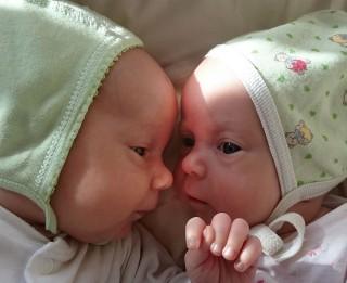 Dvīņiem Evelīnai un Ralfam steidzami vajadzīga līdzcilvēku palīdzība!