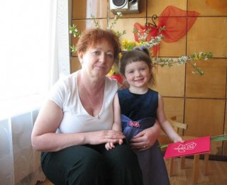 Tatjana un viņas bērni lūdz līdzcilvēku palīdzību cīņai ar vēzi