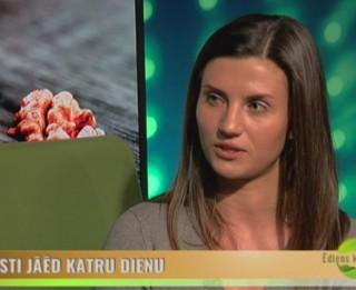 Video: Uzzini, kādēļ Indijas riekstus var ēst vairāk nekā citus riekstus!