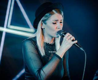 Video: MØNTA atzīmē debijas minialbuma izdošanu