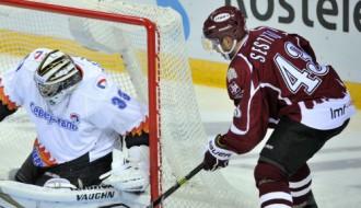 """Video: """"Dinamo"""" dramatiskā spēles galotnē atspēlējas un zaudē"""