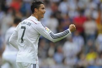 "Ronaldu <i>hat-trick</i>, Madrides ""Real"" gūst astoņus vārtus Lakorunjā"