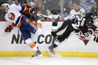 """""""Islanders"""" 95 sekundēs gūst trīs vārtus un bullīšos uzvar """"Penguins"""""""
