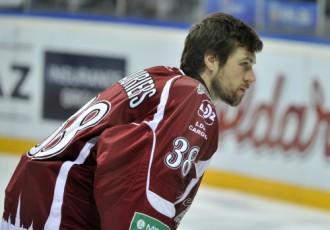 """Video: """"Dinamo"""" sezonu noslēdz ar sakāvi un septiņiem ielaistiem vārtiem"""