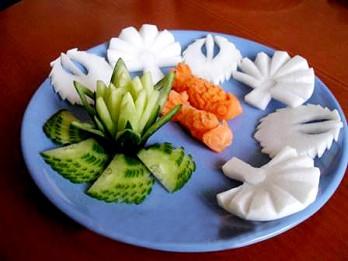Foto: Dekoratīvā augļu un dārzeņu griešanas māksla - karvings