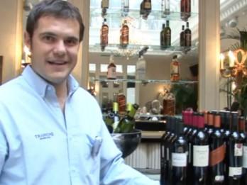 """Video: Argentīnas tango """"Trapiche"""" vīnu degustācijā Rīgā"""