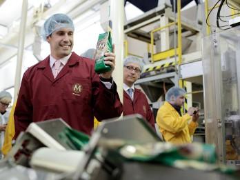 MELNĀ KAFIJA maina zīmolu, lai palielinātu tirgus daļu un konkurētspēju Baltijā