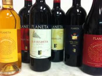 Video: Vulkāna pakājē tapušie Itālijas vīni. Planeta vīnu degustācija Rīgā