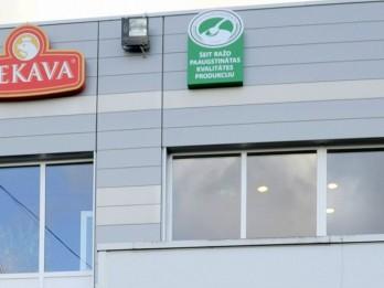 """PF """"Ķekava"""" pirmie uz ražotnes izvieto norādi par paaugstinātas kvalitātes produkciju"""