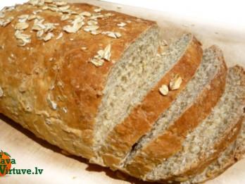 Auzu maizes kukulīši cepešpannā