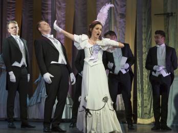 """Operetes fonds aicina noskatīties par """"operešu karalieni"""" dēvēto  Franča Lehāra opereti """"Jautrā atraitne"""""""