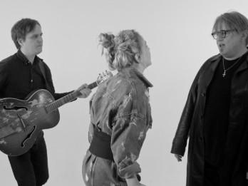 Video: Aija Andrejeva ieraksta kopīgu dziesmu ar savu tēvu Alex