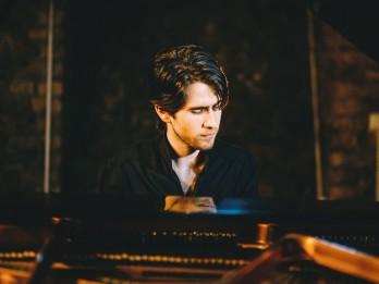 Dzintaru koncertzālē – Georgijs Osokins, Kremerata Baltica un citi mākslinieki – divos izciliem latviešu komponistiem veltītos koncertos.