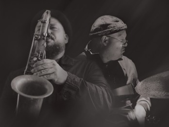 Latvijā ar jaunu programmu koncertēs amerikāņu bundzinieks Braiens Melvins