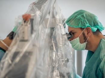 Veikta unikāla operācija, lai iegūtu vīrieša spermatozoīdus