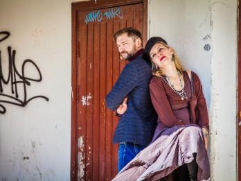 """Laila Saliņa un Gundars Silakaktiņš muzikālajā stāstā  """"Elles ķēķis. Ņujorka – Latvija"""""""