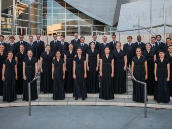 Starptautiskas turnejas ietvaros ar vienīgo koncertu Rīgas Sv. Pētera baznīcā uzstāsies izcilais Dienvidkalifornijas universitātes kamerkoris