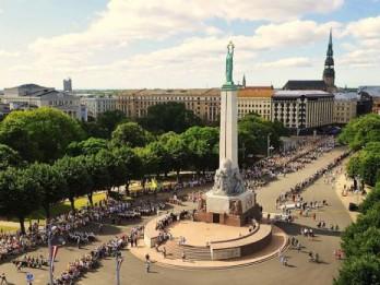 Rīgā nodrošina dziesmu svētku nepārtrauktības procesu – rīdzinieki pošas svētkiem