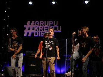 Grupu Kreklu Dienas labdarības koncertā saziedoti 3870 eiro