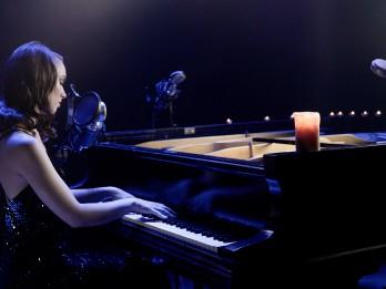 Video: Jauna versija latviešu mūzikas hitam «Apvij rokas»