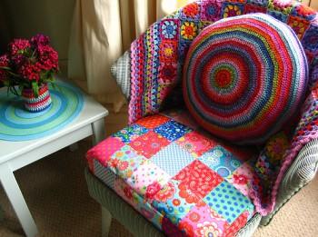 Foto: Radošas idejas rokdarbniecēm: kā ar vienkāršiem līdzekļiem atjaunot mēbeles