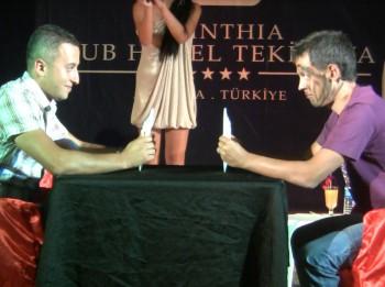 """Video: Kā izklaidē atpūtniekus labākajos Turcijas kūrortos? Vakara šovs """"Mister Corinthia club Tekirova 5*"""""""