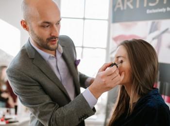 Mirdzums un akcenti: kāds make-up būs modē šopavasar?