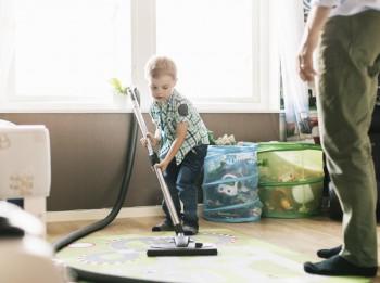 Veicini bērna patstāvību – iesaisti pavasara tīrīšanā
