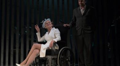 """Liepājas teātrī pēdējo reizi tiks spēlēta izrāde """"Vecās dāmas vizīte"""""""